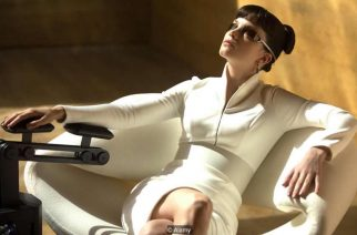 The character Luv is attired in white in the dystopian film Blade Runner 2049 (Credit: Alamy)