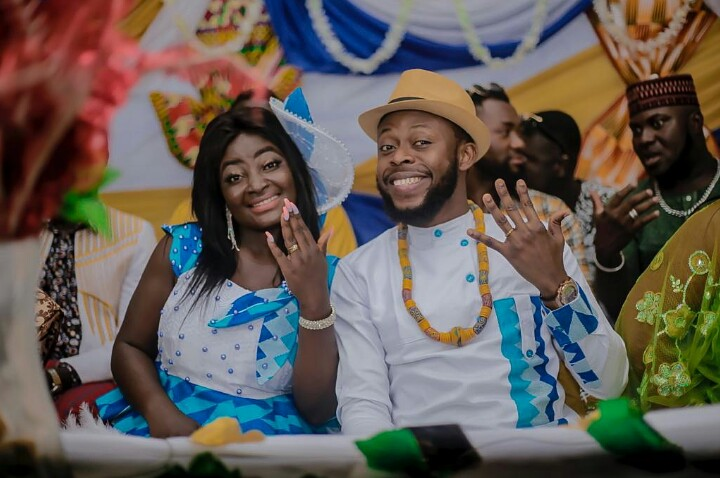 I Am Not Married – Kalybos