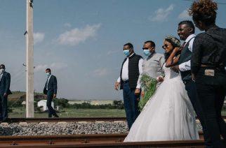 Photos: Ethiopian Prime Minister 'Gatecrashes' Wedding Photoshoot