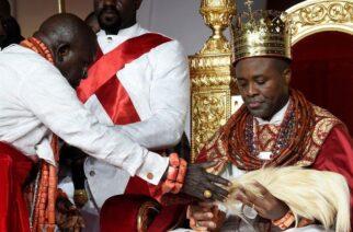 image captionOn Saturday Prince Tsola Emiko is crowned the new king, or olu, of Warri in Nigeria.