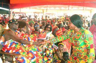 Ogidigram Okrupi Asiedu Botwe II (left) exchanging pleasantries with Mrs Barbara Oteng-Gyasi at the durbar ground